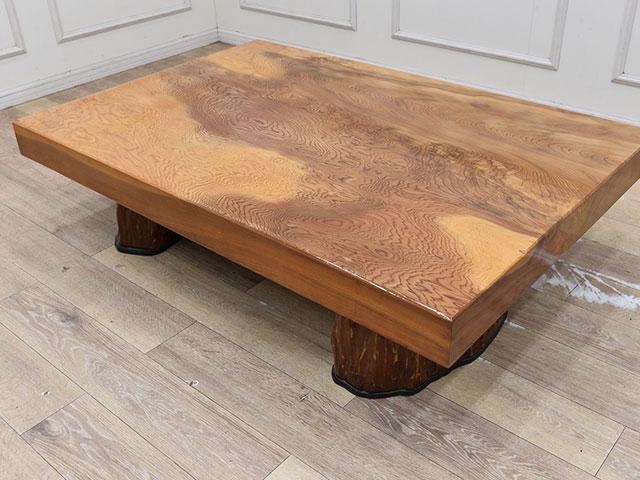 画像:屋久杉の座卓全体